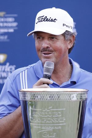 green jay: Jay Don Blake of USA, speaking about tournament win during the PGA Tour Songdo IBD championship winning event at Jack Nicklaus golf club in Incheon on Sep 18, 2011. Jay Don Blake survived a four-player, five-hole playoff Sunday and won the Champions Tour