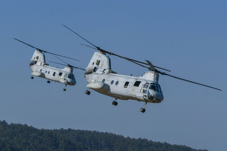 US Navy Chinook helicopter flying on the east sea shore, South Korea. Stok Fotoğraf - 79562560