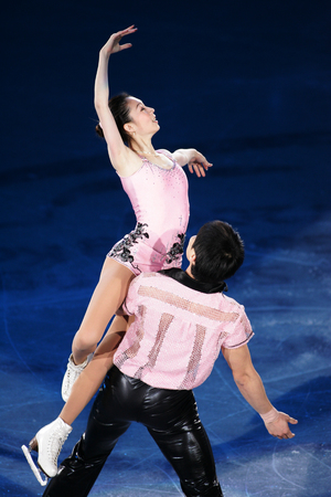 Chinas Dan Zhang and Hao Zhang perform on the ice during the gala exhibition of the ISU Grand Prix of Skating Final Exhibition 20082009 in Goyang near Seoul December 14, 2008. 新聞圖片