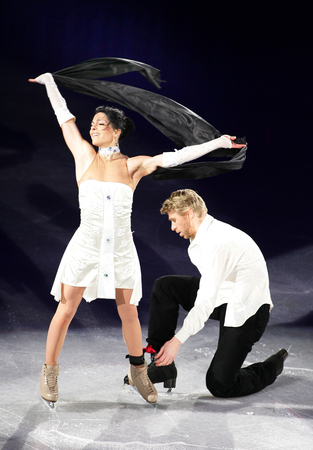 Frances Isabelle delobel (L) and Oliver Schoenfelder perform at the Gala exhibition of the ISU Grand Prix of Skating Final Exhibition 20082009 in Goyang near Seoul on December 14, 2008. Editöryel