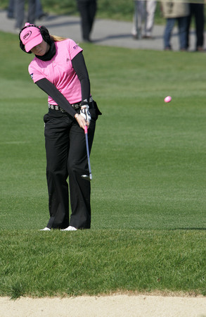 Paula Creamer of Pleasanton CA putts on the 18th hole during final round of Hana Bank Kolon Championship at Sky 72 Golf Club on November 1, 2009 in Incheon, South Korea. Editorial