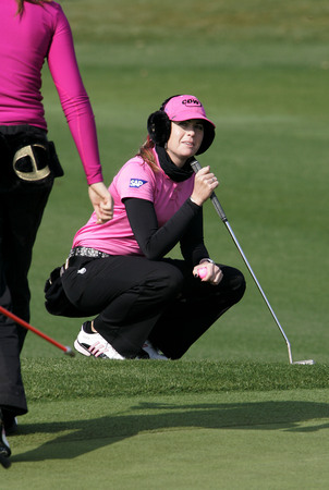 Paula Creamer of Pleasanton on the 18th hole during the final round of Hana Bank Kolon Championship at Sky 72 Golf Club on November 1, 2009 in Incheon, South Korea.