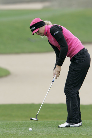 Anna Nordqvist of Sweden putts on the 2th hole during final round of Hana Bank Kolon Championship at Sky 72 Golf Club on November 1, 2009 in Incheon, South Korea.