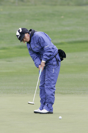 Jimin Kang of South Korea on the 2nd hole during the final round of Hana Bank Kolon Championship at Sky 72 Golf Club on November 1, 2009 in Incheon, South Korea. Editorial