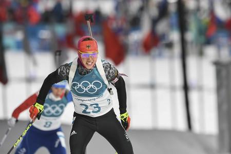 10 februari 2018 - Pyeongchang, Zuid-Korea-Laura DAHLMEIER van Duitsland actie in de sneeuw tijdens een Olympische Biathlon Dames Sprint 7.5 km in Biathlon Center in Pyeongchang, Zuid-Korea.