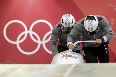 Feb 15, 2018-Pyeongchang, South Korea-Latvia Team action on the ice during an Olympic Bobsleigh 2 Man Official Training at Olympic Sliding Center in Pyeongchang, South Korea. Redactioneel