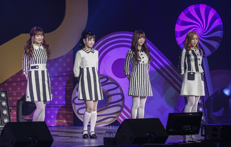 South Korean Girl group Lovelyz performs on the stage during their new album showcase in Seoul, South Korea. 新聞圖片