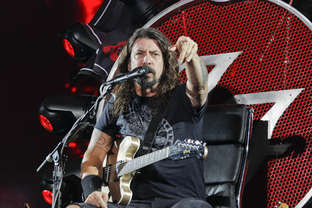 July 26, 2015 - South Korea, Ansan : Foo Fighters performs on the stage during the Ansan M Valley Rock Festival.  Rock Festival is held on every july annual music festival. (Ryu Seung-il / Polaris) 写真素材 - 123881975