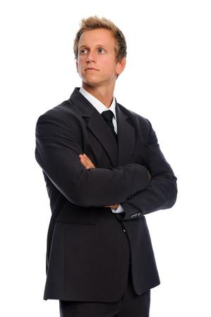 Serious juristische Person in schwarzem Anzug, isoliert auf weiß