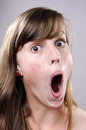 femme bouche ouverte: A vrai visage drôle capturé en détail élevé (voir portfolio pour plus de cette série)