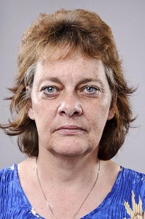 mujer fea: Anciana con arrugas profundas, hay que ver a tama�o completo