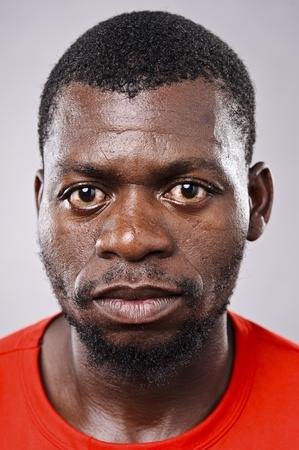 Amanzingly hoge gedetailleerd portret van een Afrikaanse gezicht moeten zien op ware grootte.