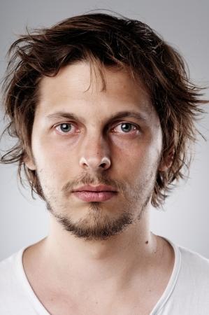 viso uomo: Immagine molto dettagliata di un giovane attraente (fronte di oltre 100 facce di questa collezione raccolta nel mio portafoglio) Archivio Fotografico