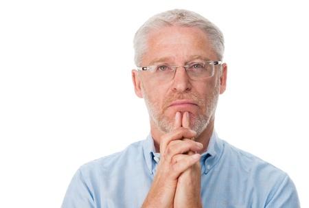 hombre pensando: Pensamiento del hombre maduro aislado sobre fondo blanco Foto de archivo