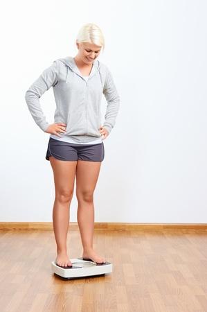 규모의 여성 성공 체중 감량 건강한 라이프 스타일 스톡 콘텐츠