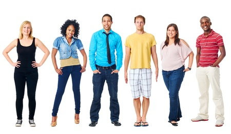 personas de pie: grupo de personas reales diversidad casual aislado sobre fondo blanco Foto de archivo
