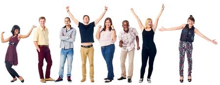 personas festejando: celebrar la diversidad del grupo real people aislado en blanco animando