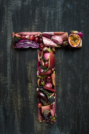 gezonde alfabet van groenten en fruit concept voor het ontwerp lay-out en het woord spelling complete collectie