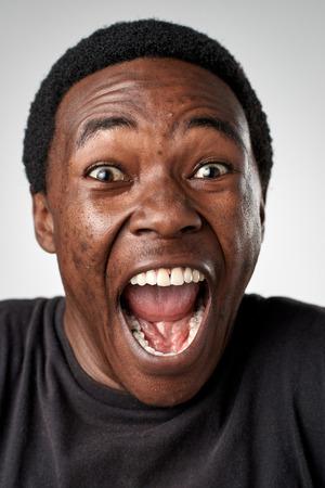 La colección completa de las caras reales gente divertida que hace expresiones tontas