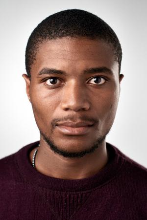 Portret van echte zwarte Afrikaanse man zonder expressie ID of paspoort foto volledige collectie van diverse gezicht en uitdrukkingen Stockfoto