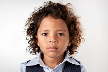 Portret van een jonge gemengd ras kind Stockfoto