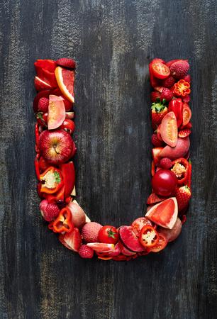 デザイン レイアウトや単語スペルのアルファベットの文字概念を果物と野菜のセットを完了、他の色のためのポートフォリオを参照してください。 写真素材 - 74487777