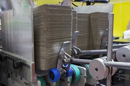 판지 상자에 대한 폴더 gluer 기계의 세부 사항