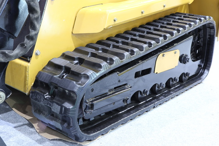 Rubber crampons  in tractor / excavator / Close up