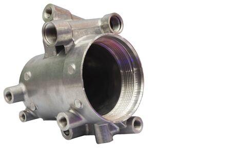 en tant que pièces de moulage sous pression en aluminium usinées pour l'équipement automobile et électrique; isoler ; fond blanc