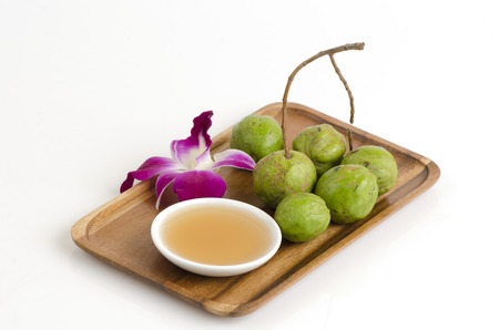 irritate: ScrubTerminalia bellirica, honey, moisturize, skin, does not irritate the skin