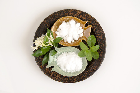 Natural medicine for inhalation (mint, borneol and camphor).