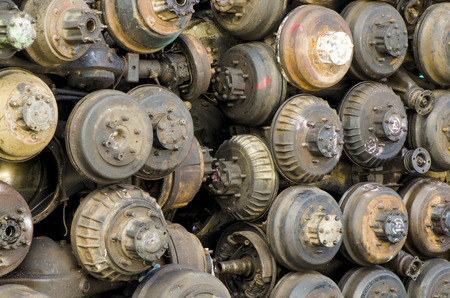 nines: Differential, final gear of old cars.
