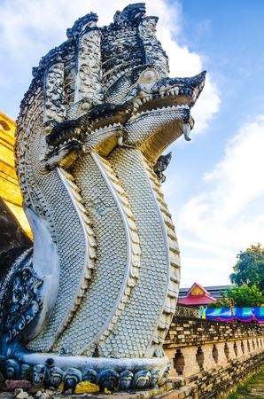 チェンマイ、タイでワット チェディ ルアン寺院で古代の仏塔
