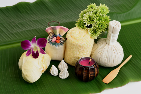 carbonate: Acne facial mask recipes with durian fruit and calcium carbonate.