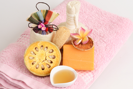 herbal knowledge: Baell Soap, Mix with fresh Bael and honey, hand-made soap is made from natural raw materials.