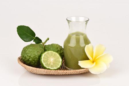 leech: lima kaffir, cal de la sanguijuela, Mauricio papeda, Extracto, medicinales y cuidado del cabello tratamiento.