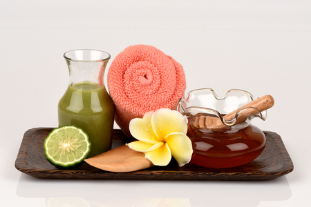 leech: Kaffir lime, Leech lime, Mauritius papeda and honey, Medicinal and hair care treatment.