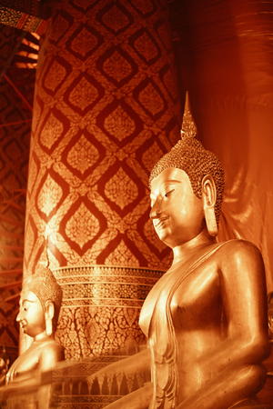 Buddha statue in pubic temple of thailand. Foto de archivo - 119058819