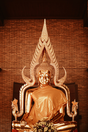 Buddha statue in pubic temple of thailand. Wat Yai Chai Mongkhon Ayutthaya. Foto de archivo - 122374891