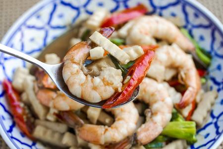 Fried shrimp with asparagus
