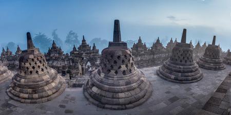 borobudur: Borobudur