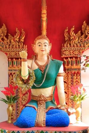 se�al de silencio: Figura tailand�s mujer feliz haciendo se�as mucho en