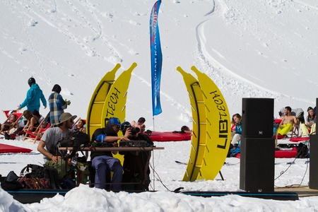 mc: SOCHI, RUSSIA - MARCH 22, 2014: Party in the ski resort, MC entertains tourists Editorial
