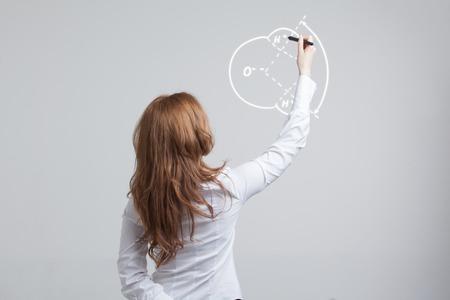 water molecule: La mujer joven drena mol�cula de agua