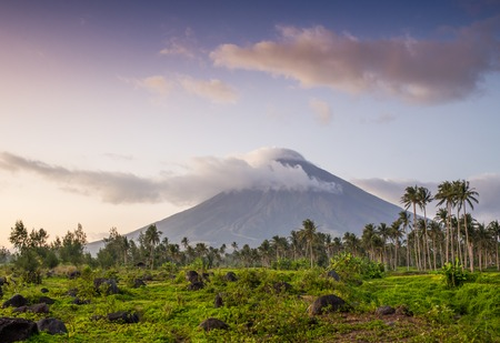 stratovolcano: the most beautiful, Vulcano Mount Mayon in the Philippines