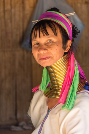 sektor: CHIANG RAI  THAILAND - FEBRUARY 10 2016: Visit ethnic village, near the town of Chiang Rai where the locals live by historical laws, wearing national clothes and engaged in their craft
