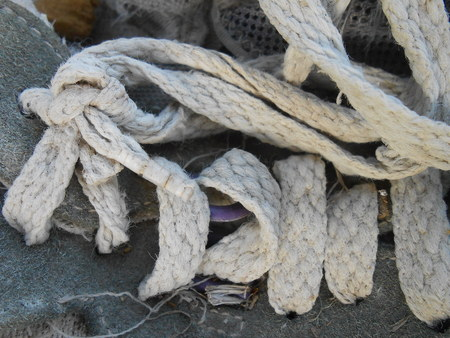 knotted shoes belt