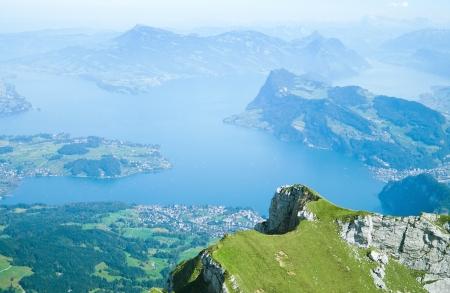 Uitzicht vanaf de berg Pilatus aan het meer van Luzern, Zwitserland