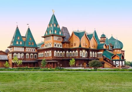 De houten paleis van Tsaar Aleksey Mikhailovich in Kolomenskoye, Moskou, Rusland Redactioneel