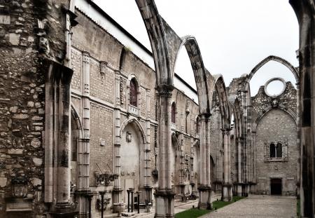 chiado: The Carmo Convent (Portuguese: Convento da Ordem do Carmo) is a historical building in Lisbon, Portugal. Stock Photo